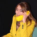 Bettina voll professionell am Telefon - Signe Zurmühlen beim Auftritt im Rahmen der Teamer-Tagung im ver.di Bildungszentrum Walsrode 2018